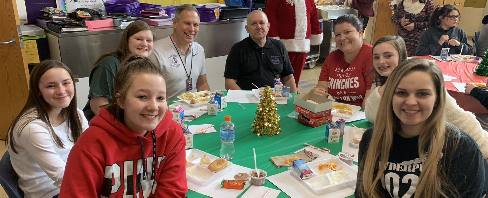 What a festive holiday lunch with students and staff at McKinley!
