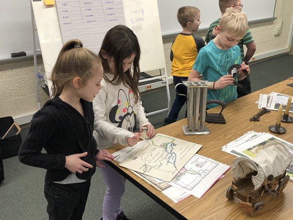 The Mahoning Valley Historical Society visited B.L. Miller for its Suitcase Presentation. Third-graders learned Native Americans, and second-graders learned about pioneers.